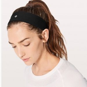 Lululemon black headband
